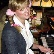 Shared Media News Images S Spears Britney Sq-Britney Baby Piano-Raf